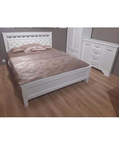 Кровать массив с мягкой спинкой Грация